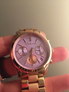 Michael Kors - Gold watch / Lavendar Face