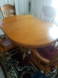 Oval table with 4 chairs