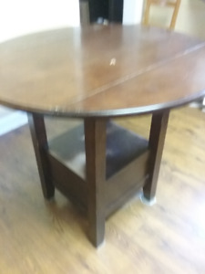Bistro table and 4 chairs