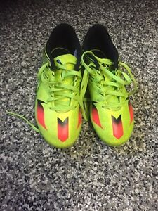 Adidas Messi 15.4 Kids Soccer shoes size 1