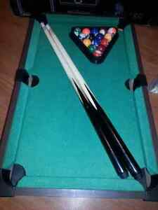Tabletop pool table billiard table Mini with wooden sticks