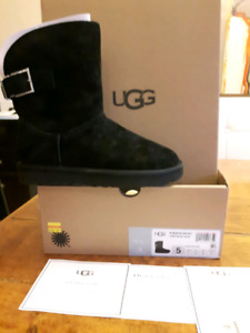 7429f8c995e Uggs New Boots | Kijiji in Ontario. - Buy, Sell & Save with Canada's ...