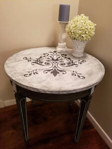 Shabby chic end/night table