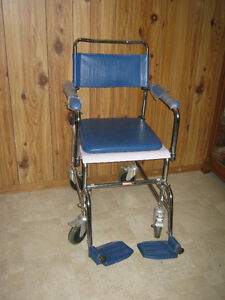 Wheelchair commode