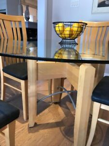 """CANADEL KITCHEN TABLE 60""""; ROUND WITH 4 CHAIRS"""