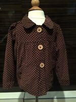 Adorable heart pattern coat with wooden buttons