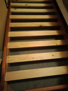 Single timber trundle bed