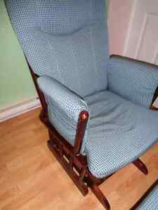 Rocking chair with ottoman Gatineau Ottawa / Gatineau Area image 2