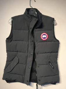 Authentic Women's Canada Goose Freestyle Vest • Small