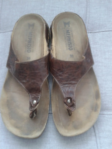 Mephisto Thong Sandals, size 39