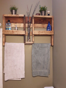 Pallet wood Shelves