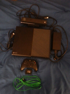 Xbox One w/ Kinect & Controller