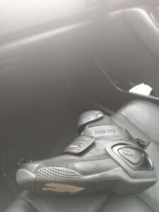 Motorcycle boots size 10 great condition.
