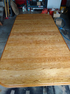 Used solid oak kitchen table set