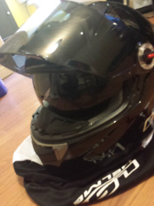 BRAND NEW NEVER USED LS2 MOTORCYCLE HELMATE WITH VISOR UPGRADE