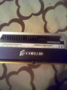Corseair dominator paltnum ddr4 3000mhz 16 GB ram card