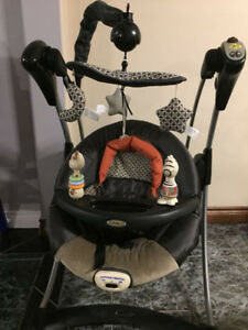 Graco swing set excellent condition