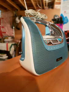 Speaker with docking station for  iPod classic