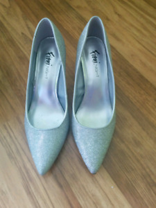 Shoes high heels size 9.