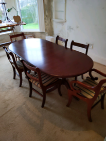 Mahogany dining table and chairs (x6)