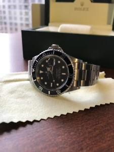 Rolex Submariner 16610 w/ box & papers