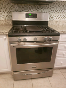 Frigidaire gallery SERIES GAS STOVE stainless steel