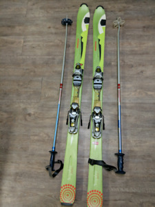 Women's 150cm Rossignol Skis with Bindings and Poles