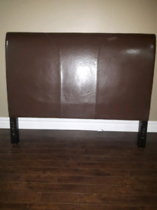 Pìer 1 Leather Headboard - Queen Size