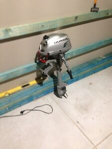 2HP Honda outboard motor i Westminster Stirling Area Preview