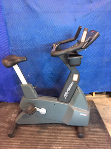 Pre-owned Life Fitness 9500HR Upright Bike for sale