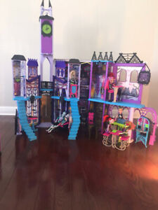 Monster castle and dolls
