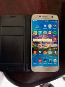 Samsung Galaxy S7, with wireless charger and LED case