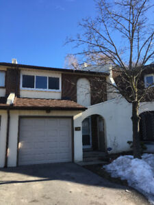 Townhouse for rent (3 bed, 3 bath) steps from Cooksville GO