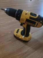 Dewalt 18 v cordless drill w/ dock and extra battery