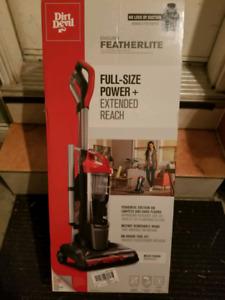 Dirt Devil Endura Featherlite Upright Vacuum