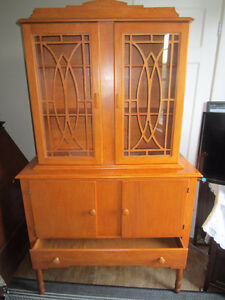 Lovely old maple dining/hutch cabinet,