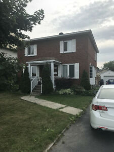 *SUBLEASE* House for rent with garage and pool- STE ROSE 4 BDRM
