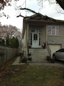 House for rent in Barrie on a Henry street.