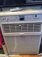 Danby Window Air Conditioner 10 000 BTUs with remote