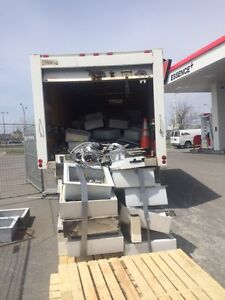 Commercial metal recycling service