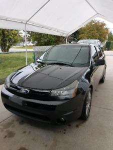 2011 Ford Focus SES . **CERTIFIED