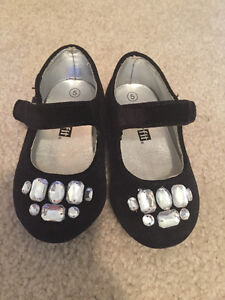 Toddler Size 5 dress shoes