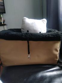 Luxury pet car seat boostey