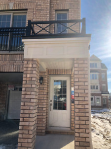 New Townhouse for Rent Near UOIT+Durham College Corner Unit