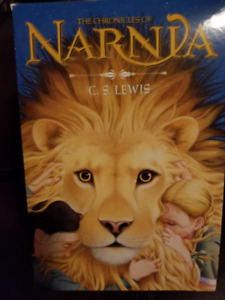 The Chronicles of Narnia Book SetSet of 7 books, plus a trivia