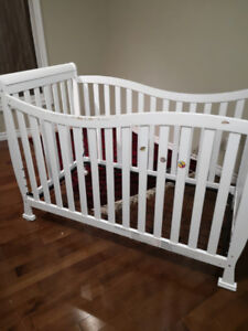 Baby crib and diaper changer