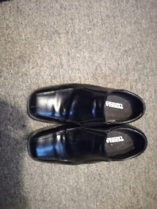Lightly Used Size 10 TERRA Mens Formal Shoes (Synthetic Leather)