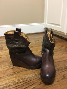 BED | STÜ BOOTS  SIZE 8  *CUIR / LEATHER*