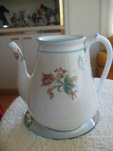 TALL ELEGANT VINTAGE HAND-PAINTED PORCELAIN TEA POT [NO COVER]