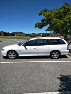 VZ MY06 Commodore Wagon,  logbook service history. Greenwith Tea Tree Gully Area Preview